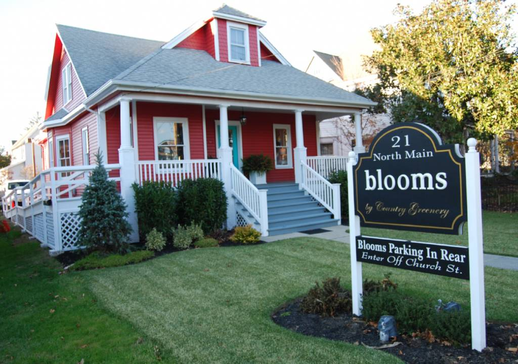 Blooms Front Store